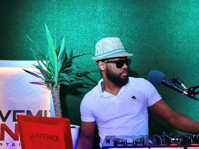 Silent Disco with DJ Sean